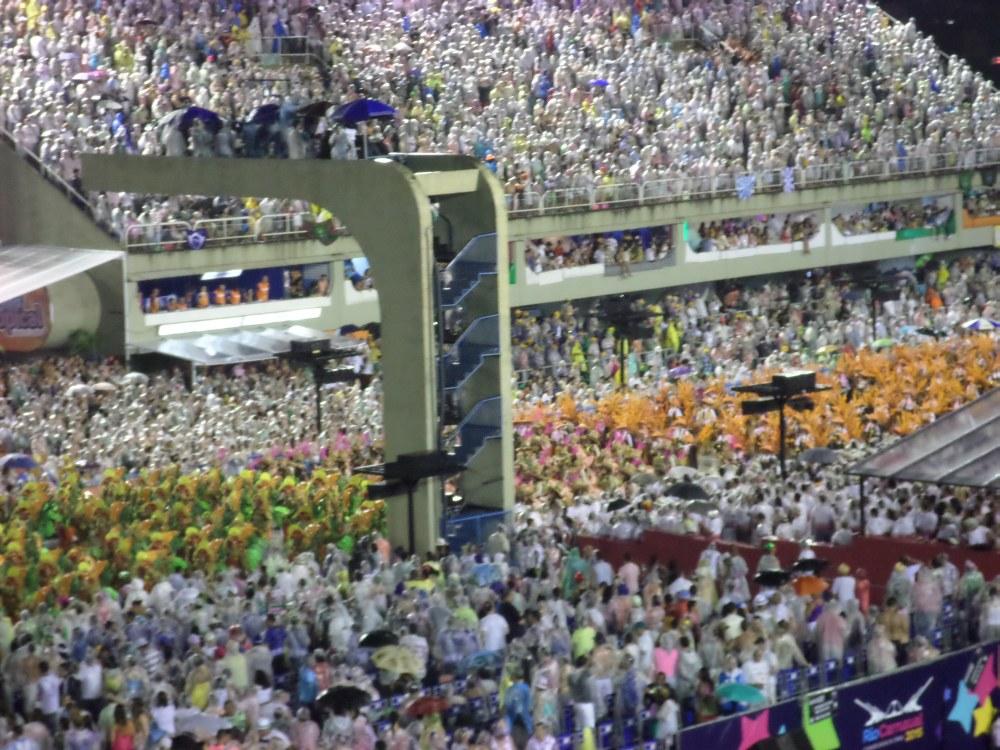 mensenmassa in het Sambadome, carnaval in Rio de Janeiro